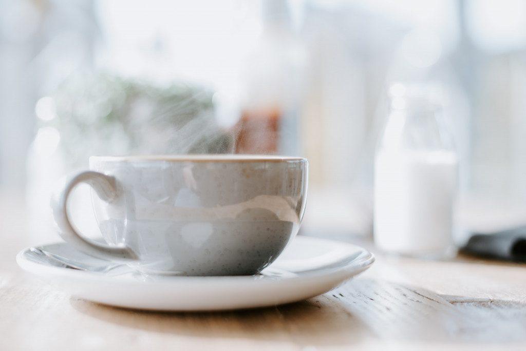 Příliš horké mléko může zabránit tomu, abyste si užili chuť vaší kávy.