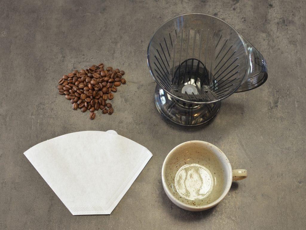 Příprava kávy pomocí Clever Dripper