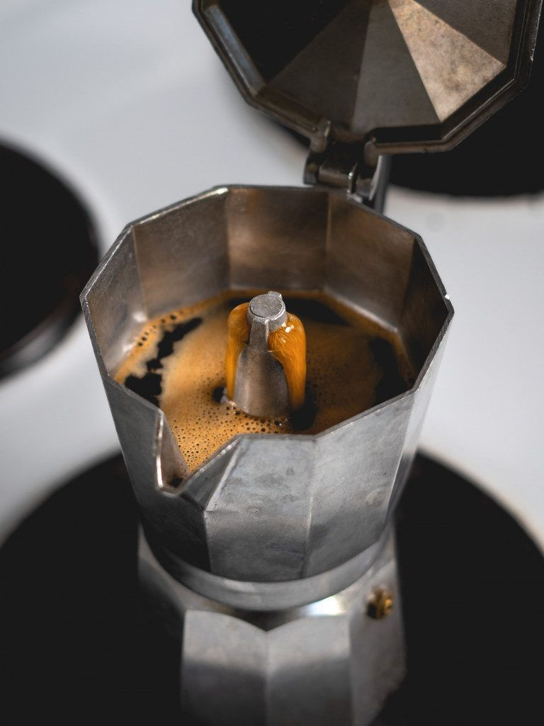 Alternativní způsob přípravy kávy v Moka konvičce