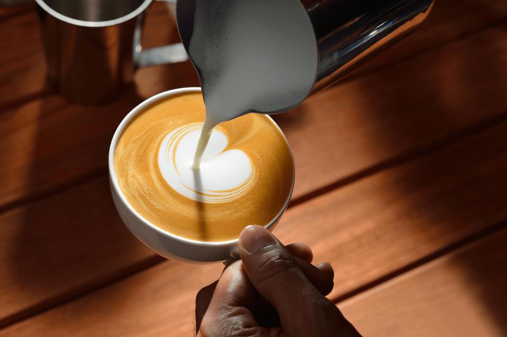 jak začít s latte art
