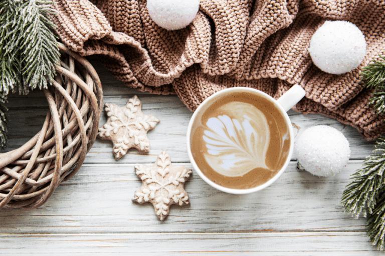 káva a vánoční cukroví