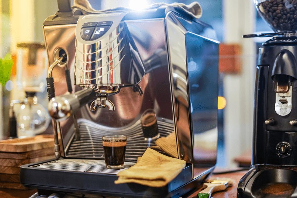 pákový kávovar na domácí espresso Nuova Simonelli Oscar