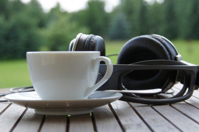Jak hluk ovlivňuje chuť kávy.