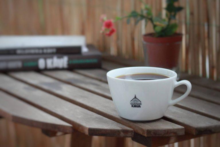 šálek filtrované kávy Lázeňská káva