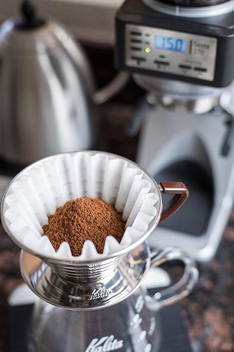 káva v kalitě namletá v mlýnku Baratza Sette 270
